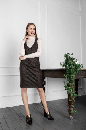 Klasikinis moteriškas kostiumėlis su sijonu Kaštonas - Tauri Look
