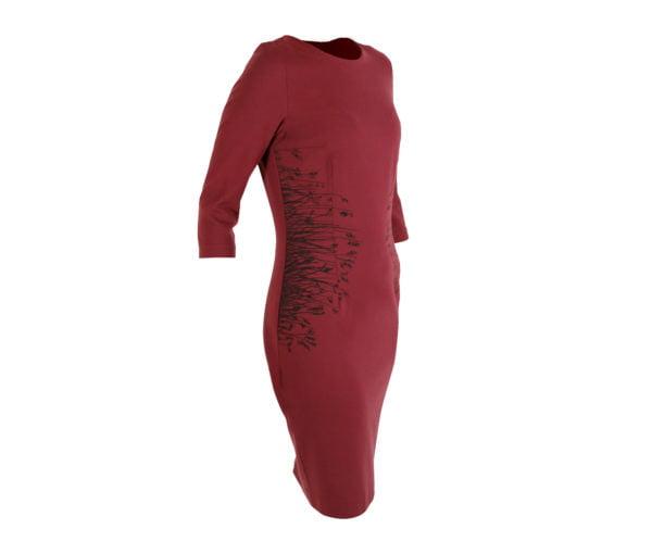 Raudona suknelė Nendrė