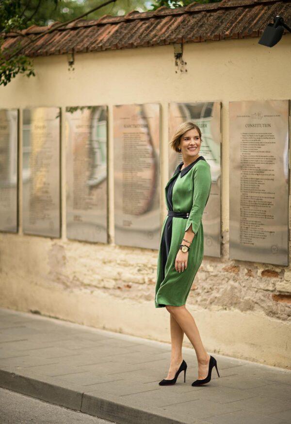 Stilingos dalykinės suknelės apkūnioms žalios spalvos - Tauri Look