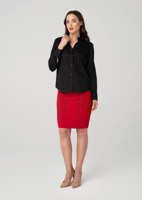 Tiesus dekoruotas sijonas su juodais marškiniais - Tauri Look