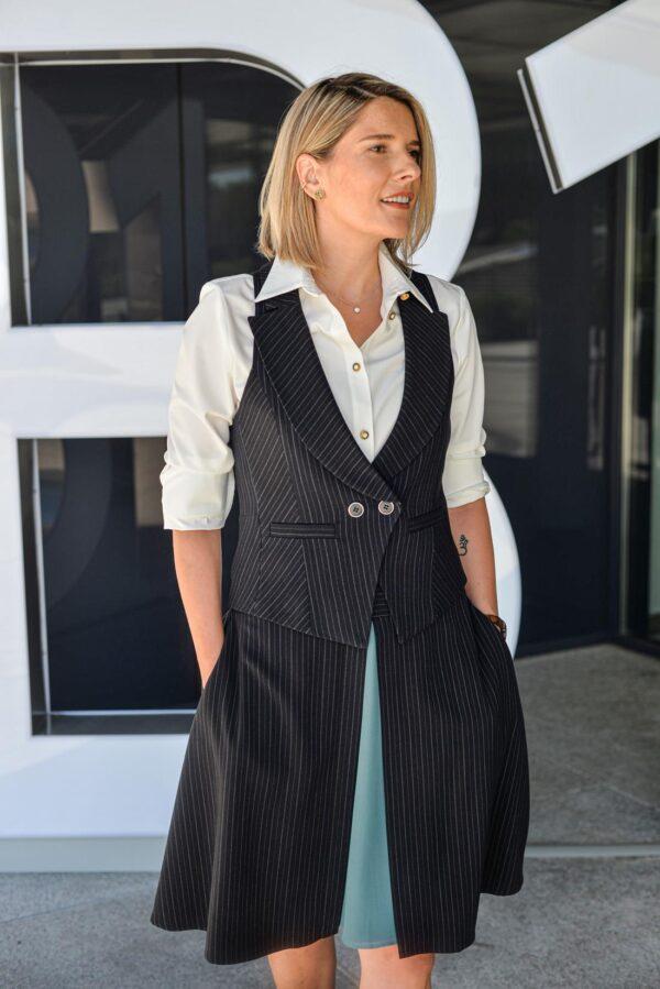 Dalykinis stilius - juoda liemenė ir sijonas - Tauri Look