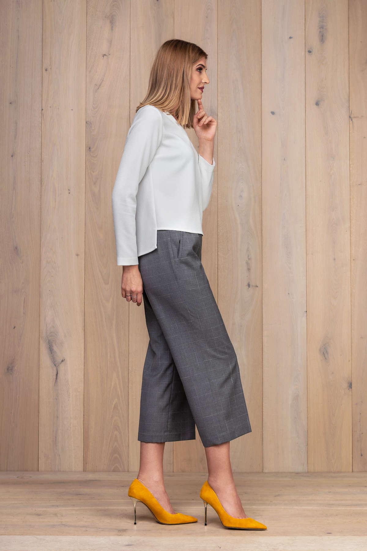 Pilkos kelnės su palaidine ilgomis rankovėmis - Tauri Look