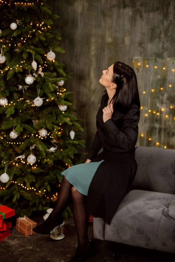 Juodas sijonas su žaliu šifonu - Tauri Look