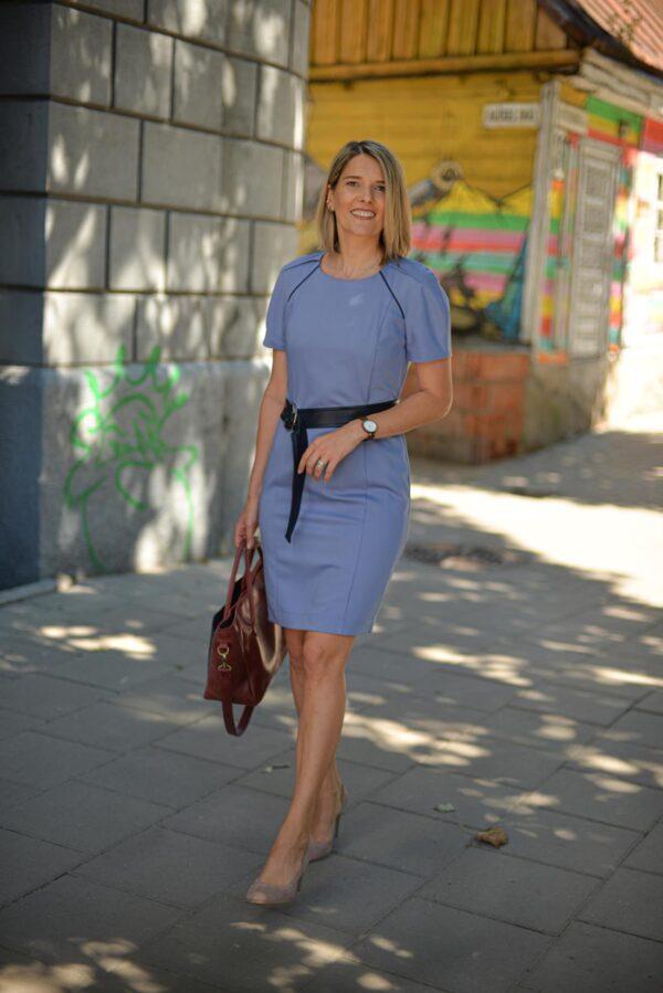 Mėlyna suknelės trumpomis rankovėmis su diržu - Tauri Look