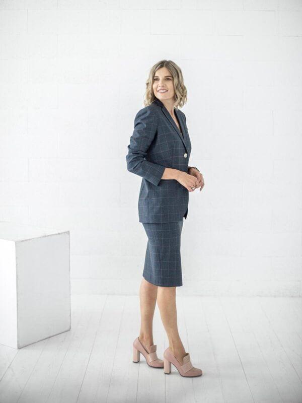 Languotas klasikinis kostiumėlis internetu - Tauri Look