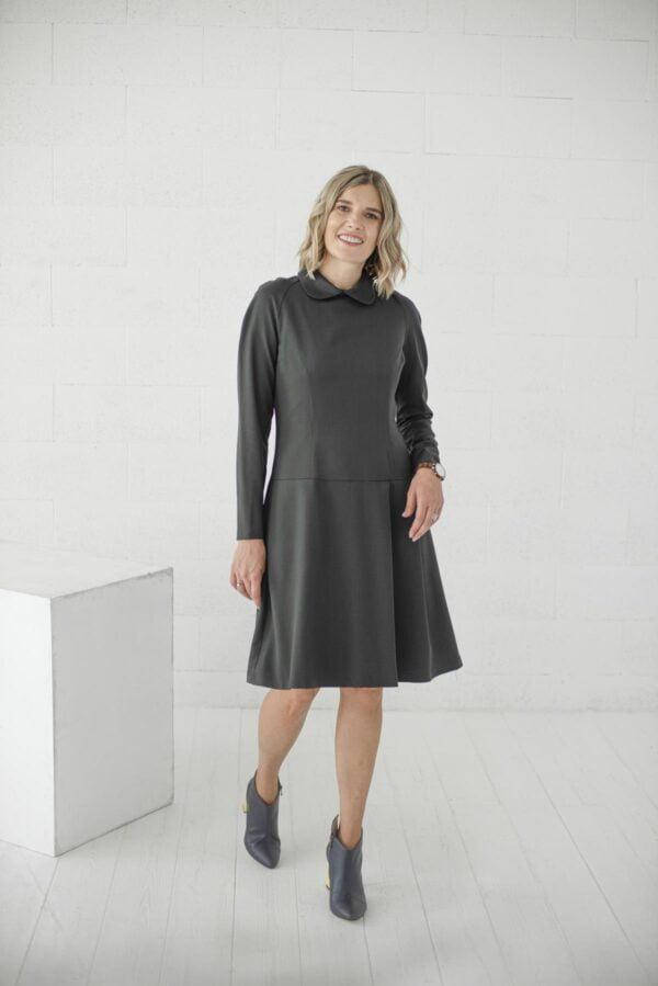 Tamsios spalvos suknelė internetu - Tauri look