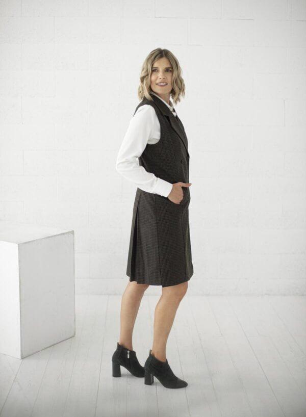 Vilnos suknelė liemenė su kostuotu sijonu